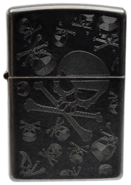 Lighters Zippo Skull & Crossbones Gray Dusk Iced Pipe Lighter