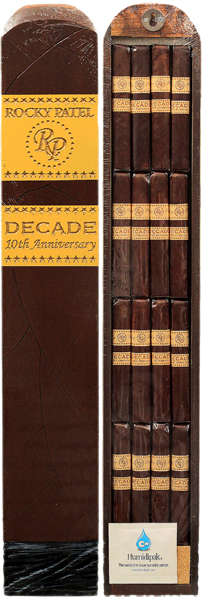 Wood Cigar Box with 16 Decade Robustos